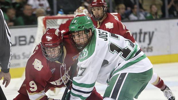 Pioneers blow 3-0 lead, show little life after first period in 5-4 loss to North Dakota